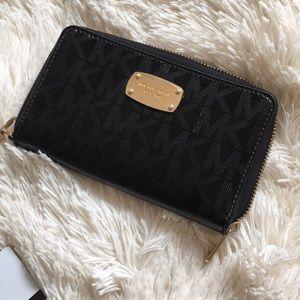 MICHAEL KORS - Black Wallet